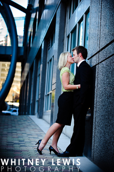 downtown, steel and glass, kiss, romantic, full-body