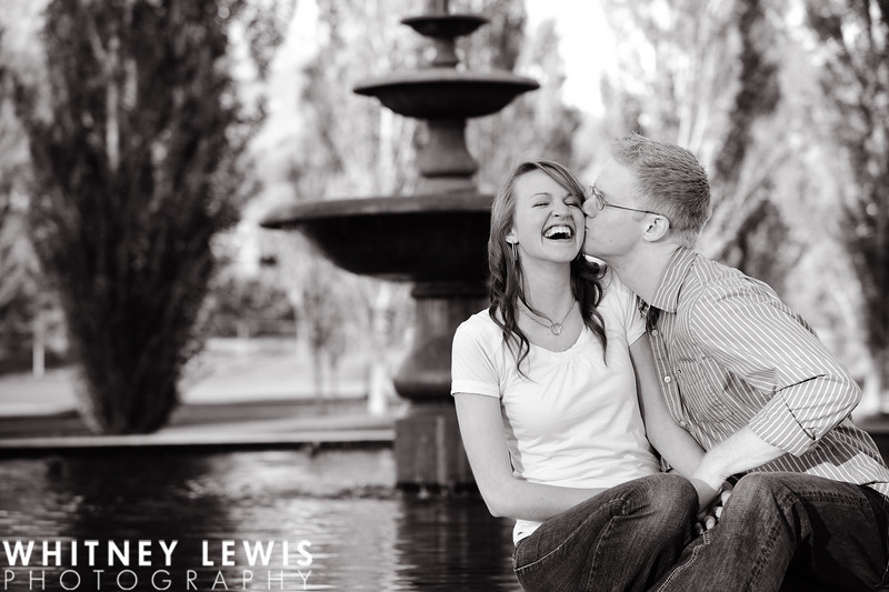 kissing, b&w, b & w, fountain, Neilson's Grove Park